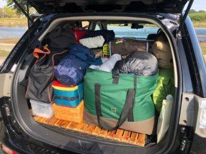 車に積んだキャンプ道具